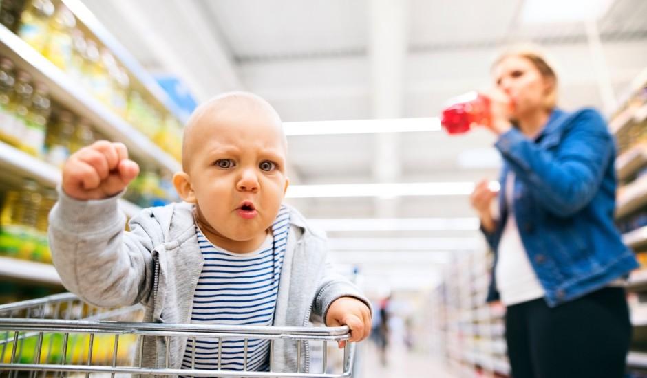 Liec aiz auss: 10 lietas, ko nevajadzētu darīt pārtikas veikalā