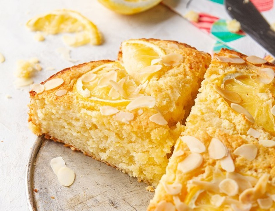 Kūku pasniedz atdzesētu.  Lai labi garšo!