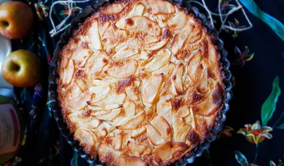 Sulīgais ābolu pīrāgs