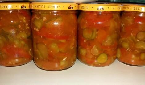 Pikantie gurķi tomātos ziemai bez pasterizēšanas