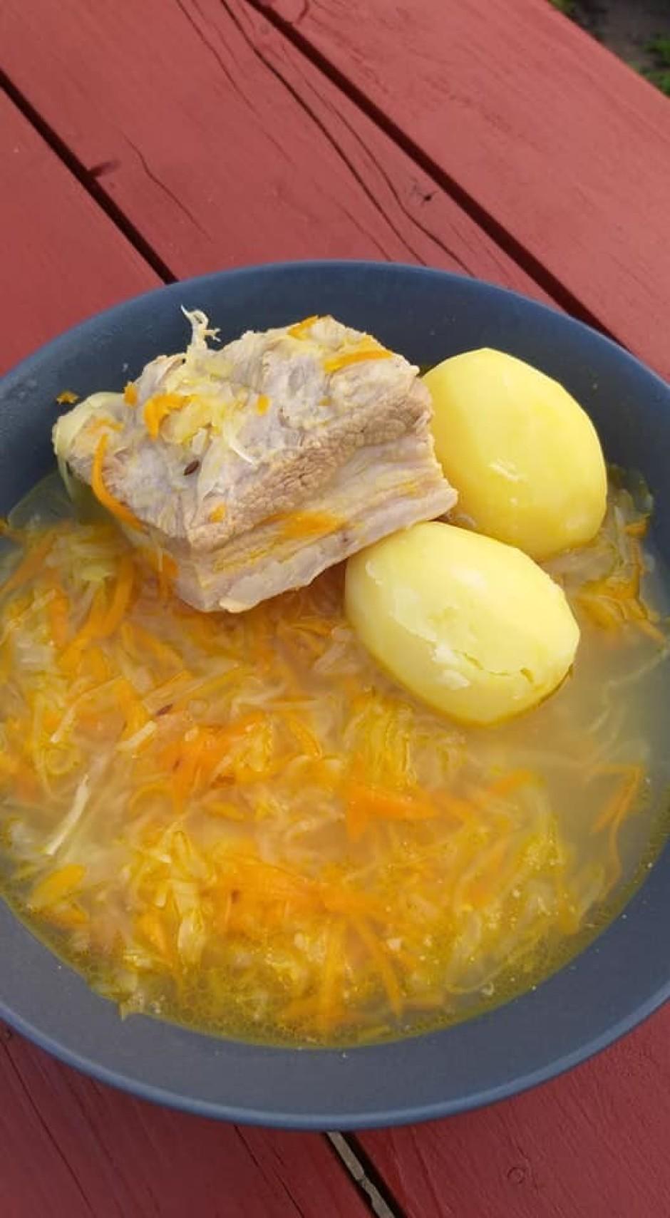 """""""Beigās vēl pievāru kartupeļus atsevišķi. Kas vēlas, var vār..."""