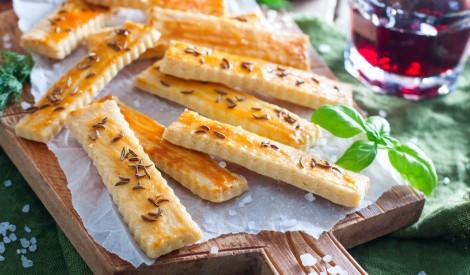 Ātrie kausētā siera cepumi